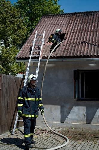 V Bohdalově hořel rodinný dům.