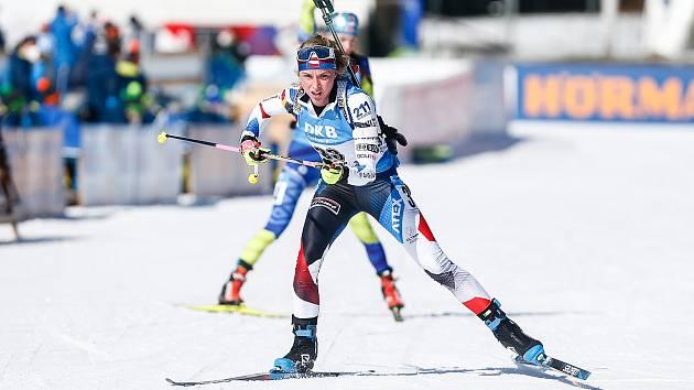 Markéta Davidová v závodu Světového poháru v biatlonu - sprintu žen na 7,5 km.