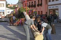 Tradiční Bítešské hody začnou ve středu 4. září obvyklým vztyčením máje. Hlavní kulturní program s Hvězdokladením a Setkáním na Podhorácku se odehraje o nadcházejícím víkendu.