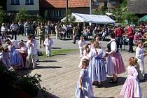 V malé vesničce si připomenou jubileum vzniku školní budovy.