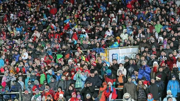 První závodní den se ve Vysočina areně sešlo 27 tisíc diváků.