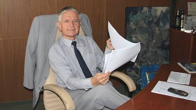 O místo ředitele se bude po Novém roce znovu ve výběrovém řízení ucházet bývalý místostarosta Jaromír Brychta. Pro Satt podle svých slov pracuje už dvacet let.