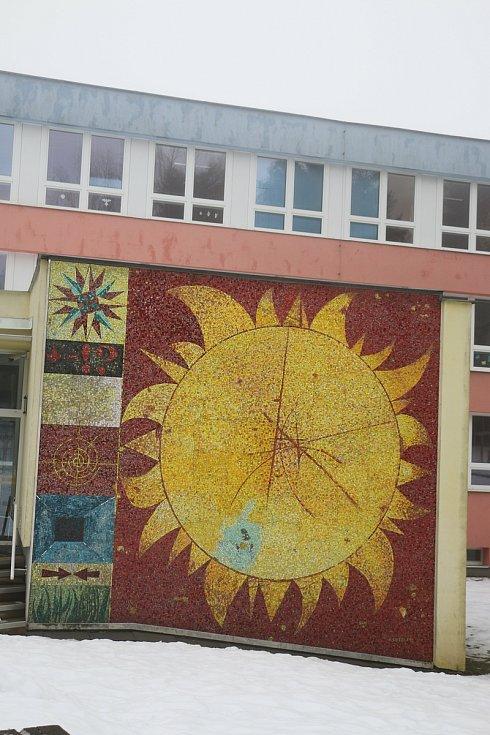 Mozaika Slunce Mikuláše Medka.