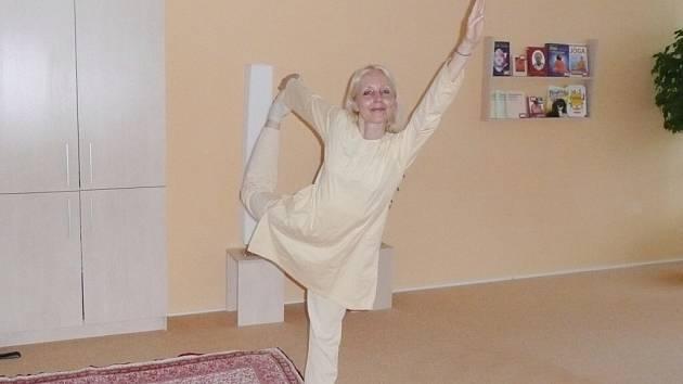 Cvičitelka jógy Ilona Šerejchová tvrdí, že tělesně i duševně se bude člověk cítit lépe už po první hodně jógy. Při delším cvičení se tyto pozitivní účinky prohloubí.