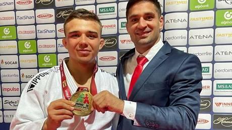 Judista Daniel Pochop ze Světnova na Vysočině získal na MS juniorů v Olbii bronzovou medaili v kategorii do 73 kg.