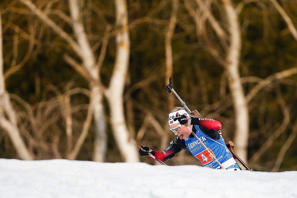 Norka Ingrid Landmark Tandrevod v závodu Světového poháru v biatlonu - štafeta 4x6 km ženy.