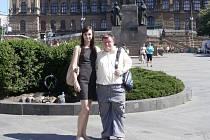 Na slavnostní promítání do hlavního města se vydali i hrdina filmu Blahoslav Šiška s Andreou Haškovou, která spolu se svou kolegyní filmový snímek natáčela.