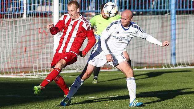 Fotbalisté Bystřice se po další domácí prohře zlobili na rozhodčí
