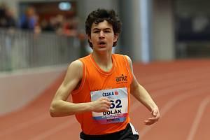 Běžec Pavel Dolák ve finiši závodu ve Vítkovicích.
