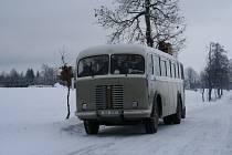 V pořadu si zahrál i historický autobus.