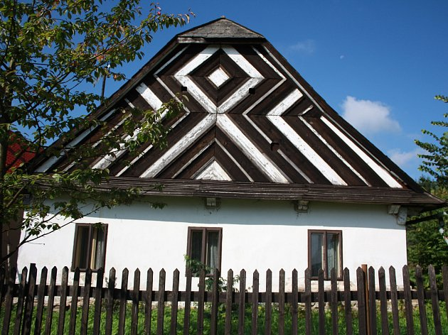 Kuklík, obec na Novoměstsku, bude v sobotu slavit.