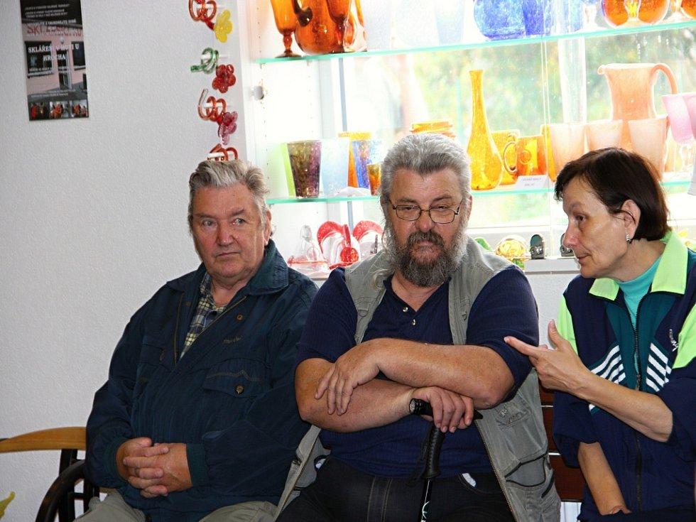 Bývalí skláři se setkali ve Škrdlovicích.