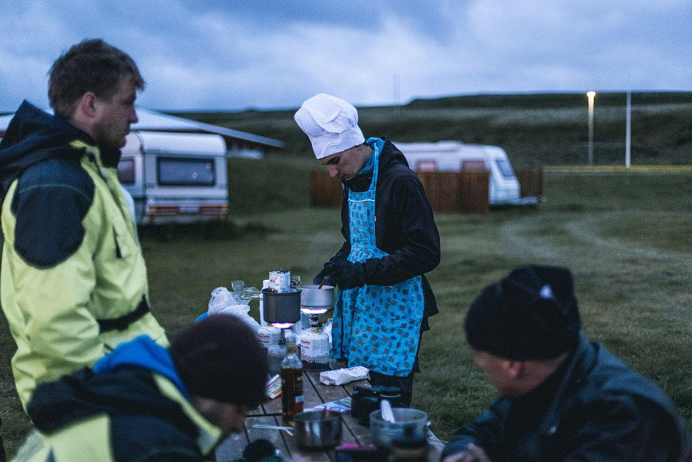 Kemp v Thrshofnu (Island) a kuchař Tomáš Gregor.