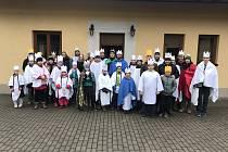 Koledníci při letošní Tříkrálové sbírce v Novém Městě na Moravě.