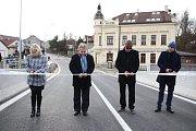 Nový most nahradil původní mostní konstrukci, kterou v roce 1924 postavila brněnská firma Ferrobeton.