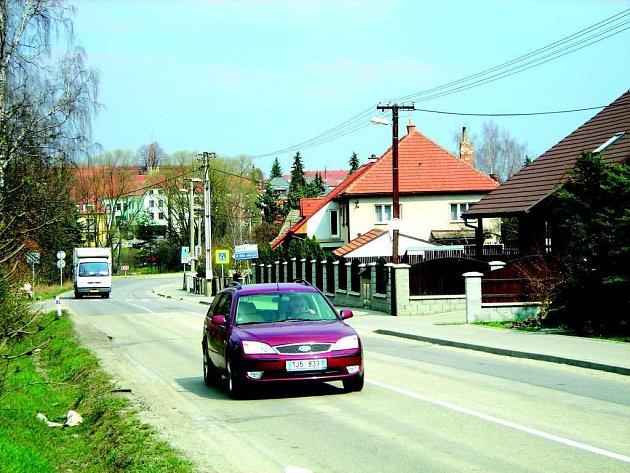 Přemístění dopravy z ulice Kap. Jaroše se stalo ve Velké Bíteši tématem číslo jedna. Zítra se kvůli sporu o tom, kudy má vést dálniční přivaděč, uskuteční ve městě lidové hlasování.