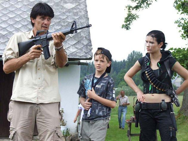 V místní části obce Křižánky, České Milovy, natáčí štáb České televize Brno veselý prázdninový příběh s pracovním názvem Kája a Zabi.