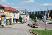 Plocha vedle hlavní silnice na náměstí Republiky dostane co nejdříve úpravu jako náměstí Republiky a Havlíčkovo náměstí. Prostor se tak harmonicky sjednotí.