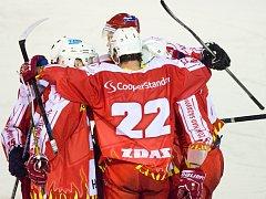 Sezona nekončí. Žďárští hokejisté vyhráli v Nymburku 5:1 a postoupili do čtvrtfinále play-off. Vyzvou Kolín.