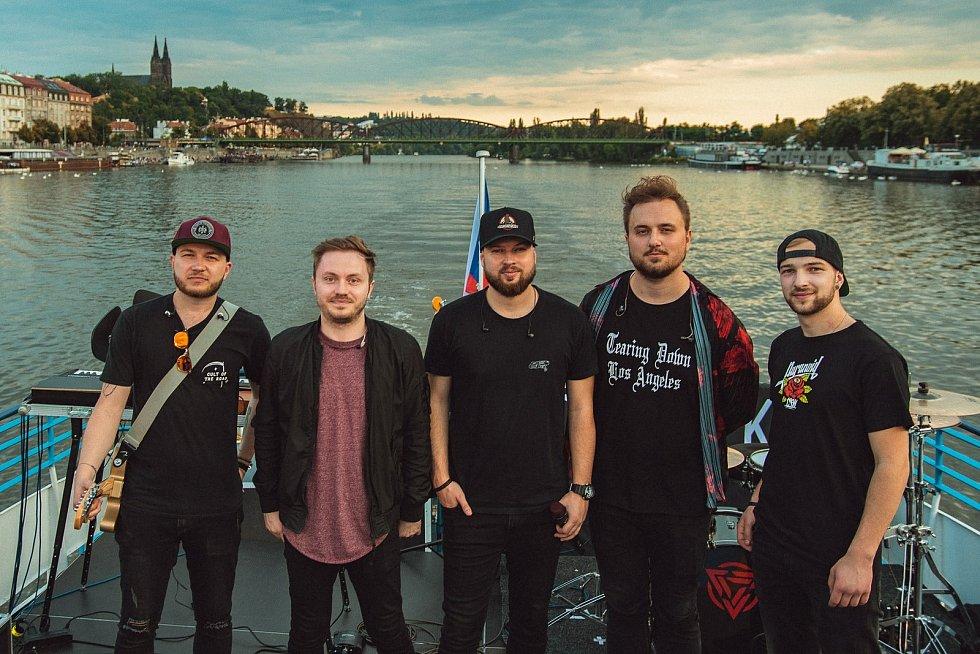 Poetika, skupina ze Žďárska, se skvěle zabydlela na české hudební scéně.