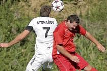 Křoví (v červeném) si doma poradilo se Stonařovem a připsalo si první letošní body.