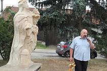 Socha patronky horníků stávala ve Strážku už od 18. století. Původně strážila cestu vedoucí k Jemnici. Její následovnice byla umístěna přímo do centra městyse.