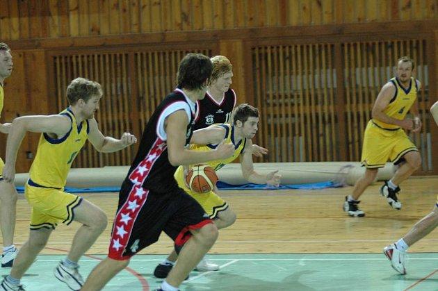Žďárští basketbalisté nenašli sílu vyhrát ani jedno utkání v závěru sezony.
