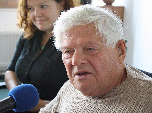 Jiří Brady dostal v neděli 20. září čestné občanství Nového Města na Moravě.