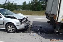 U Velké Bíteše se v úterý střetl nákladní a osobní vůz, mezi zraněnými byly i děti