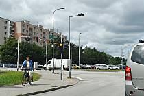 Na nové semafory si někteří motoristé a chodci stále nemohou zvyknout.