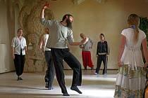 Festival KoresponDance nabídne několik tanečních a divadelních představení, projekce, hudební koncerty i výstavy.