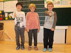 Na fotografii jsou žáci ze Základní školy ve Světnově. První třída paní učitelky Jarmily Jiříkovské.