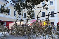 Zima navodila v zámeckém areálu vánoční atmosféru.