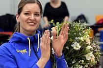 Hvězda světového formátu se rozloučila se svou profesionální basketbalovou kariérou v poločase čtvrtfinále Euroligy. Ovace vstoje vehnaly Evě Vítečkové slzy do očí.