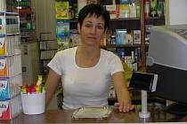ZMĚNY. Jako pozitivní dopad zdravotnické reformy vidí žďárská lékárnice Zuzana Frendlová například vyšší zájem pacientů o alternativní způsoby léčby a také o prevenci.