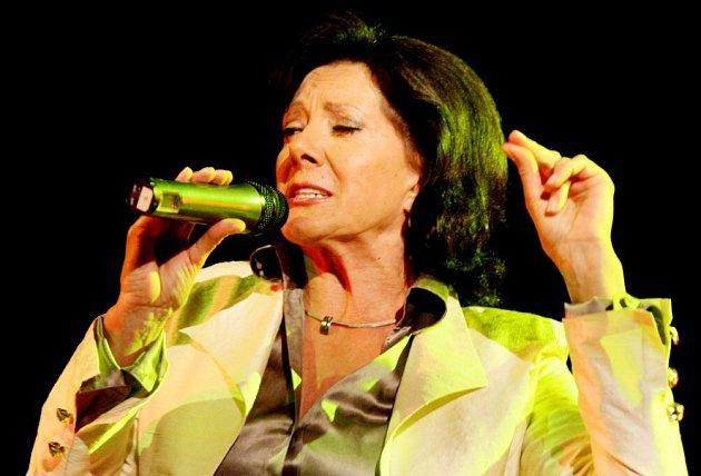 Zpěvačka Marie Rottrová se skupinou Neřež připomene svoje největší hity již za týden