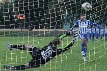 Podle rozšiřujícího se trendu by měl každý fotbalový zápas mít vítěze. Pokud se o něm nerozhodne během hrací doby, přichází na řadu penalty.