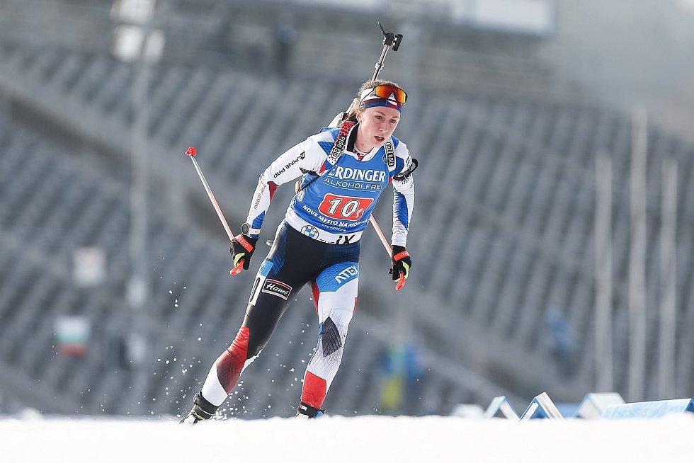 Jessica Jislová v závodu Světového poháru v biatlonu - štafeta 4x6 km ženy.