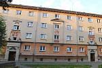 Další domy se sgrafity jsou zatím v původním stavu.