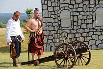 Hřiště nad Škrdlovicemi se o víkendu proměnilo ve středověkou vesnici, program vyvrcholil sobotní bitvou.