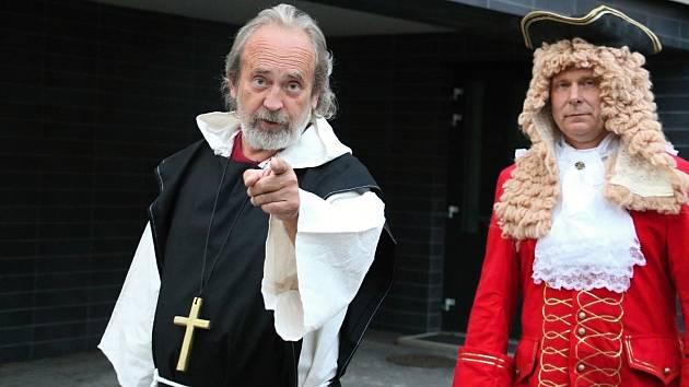 VIDEO: Na slavnostech nechyběli ani geniální stavitel Santini a opat Vejmluva