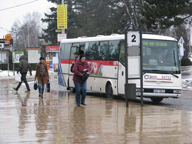 Autobus žďárské přepravní společnosti Zdar.