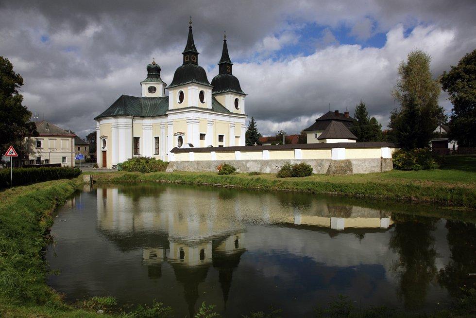 Santiniho stavby na Vysočině - kostel svatého Václava ve Zvoli.