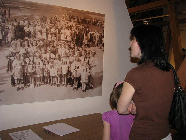 Výstava s názvem Osvobození Bystřicka 1945 byla zahájena v podkrovních prostorách bystřického muzea.