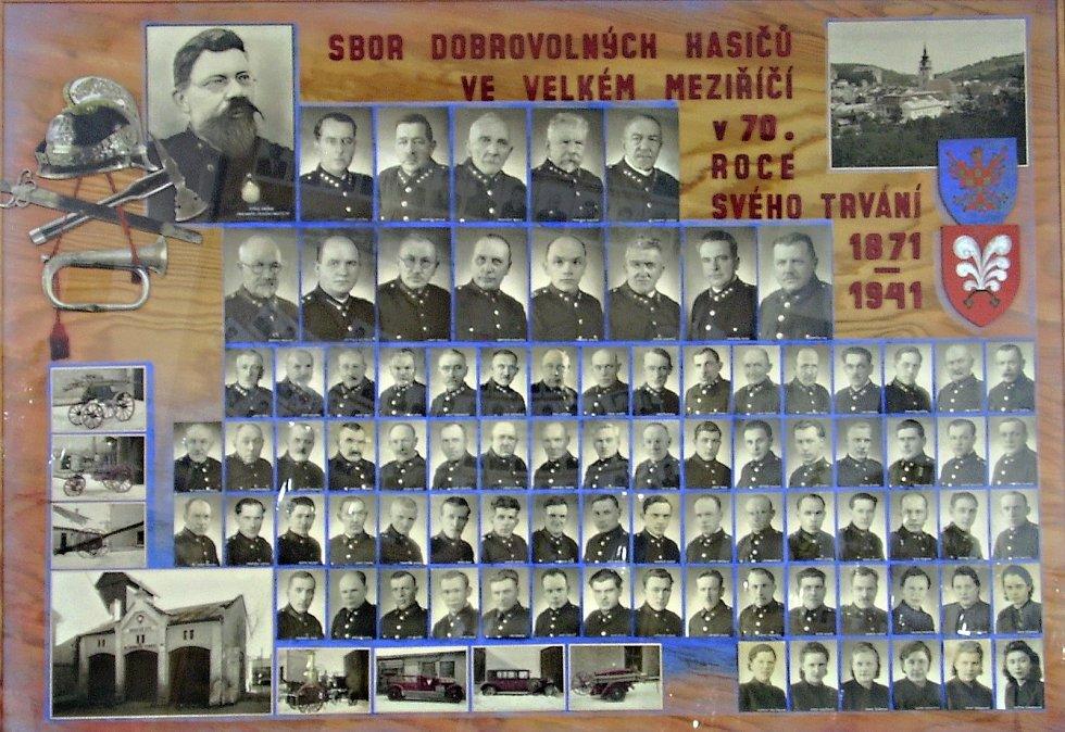 Velkomeziříčský hasičský sbor.