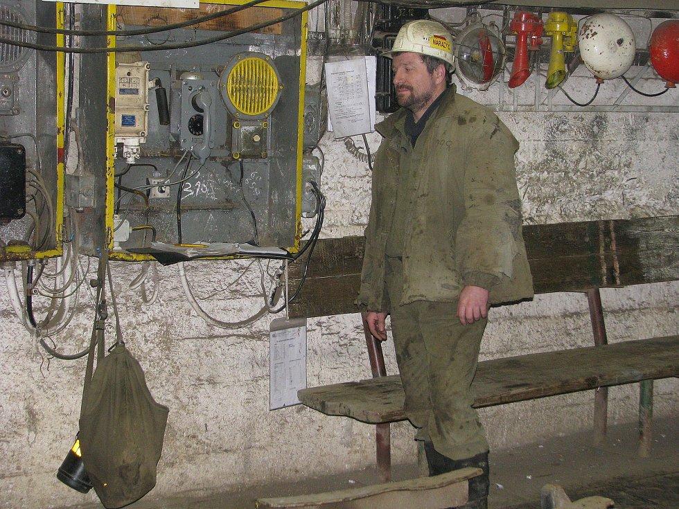 Práce v uranových dolech nebyla jednoduchá. .