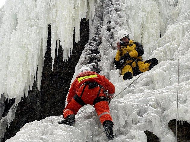 Ve Víru začnou po ledové stěně lézt v sobotu