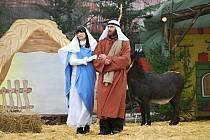Letos se 24. prosince herci i diváci za kostelem v Měříně při Živém betlému sejdou naposledy.