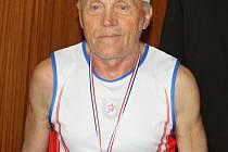 Alois Bradáč je sportovec tělem i duší. Doma má bezpočet medailí.