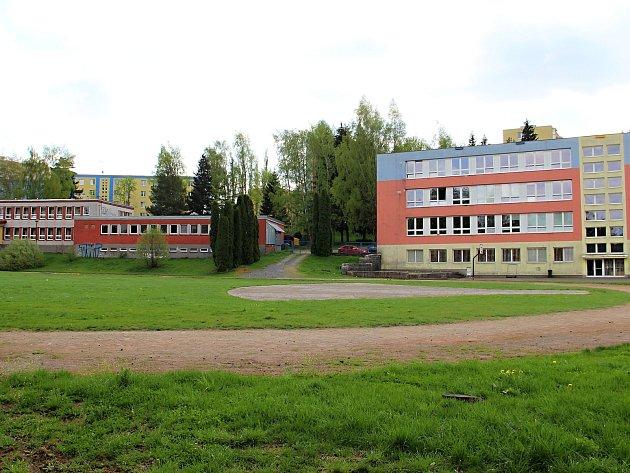 Školní hřiště přes letní prázdniny projde rekonstrukcí